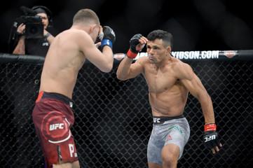MMA: UFC 232-Silva De Andrade vs Yan