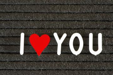 Eine Tafel, Herz und Slogan Ich Liebe Dich