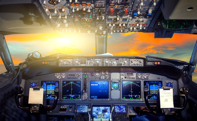 Sunrise cockpit Flight Deck