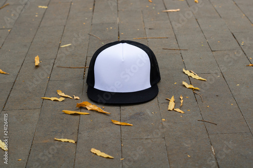 f6b6d505775d2 Blank trucker hat cap flat visor with black and white color in outdoor