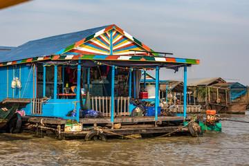 Foto op Plexiglas Asia land Kambodscha - Siem Reap - schwimmende Dörfer auf dem Tonle Sap