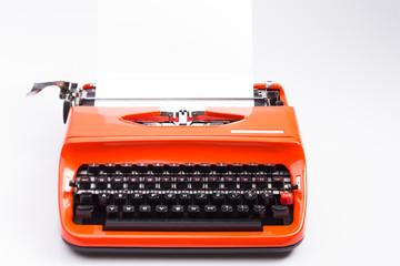 Schreibmaschine isoliert