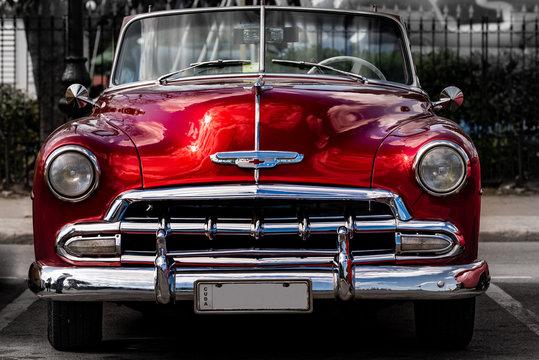 Oldtimer in Havanna Kuba rot