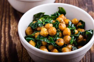 Spinach with chickpeas salad bowl