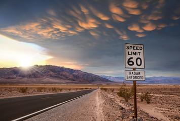 Fotobehang Route 66 magnifique ciel dans le désert