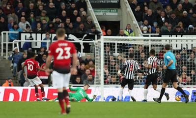 Premier League - Newcastle United v Manchester United