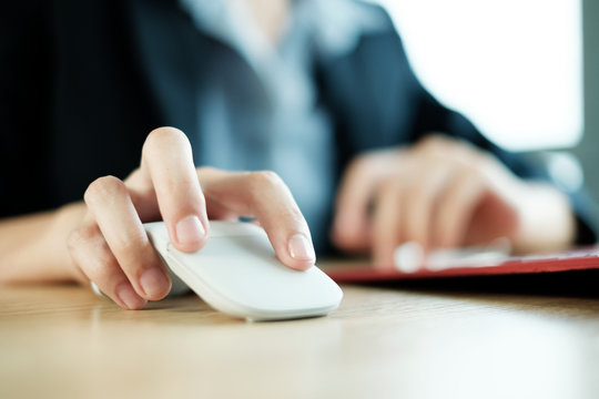 Business Woman With Short Natural Nails Using Computer Mouse Office