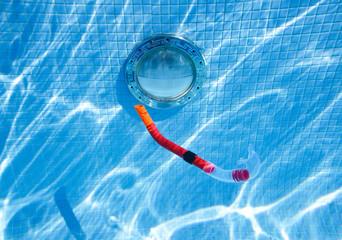 Snorkel sinking in the pool - view underwater