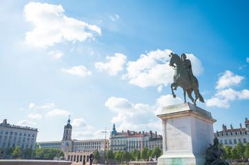 ベルクール広場のルイ14世