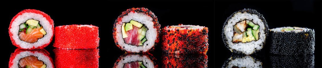 Photo sur Aluminium Sushi bar sushi roll with caviar on a dark background close-up