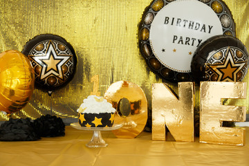 first cake, one year old child, birthday, 2 years old, beautiful photozone in sea style, black-gold background, colored background, green