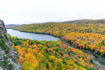 Scenic view of Lake of the Clouds in Porcupine Wilderness State Park