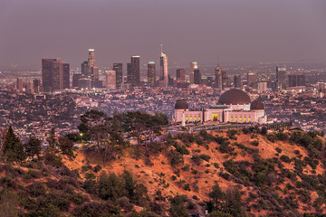 Griffith Observatory and the Skyline of Los Angeles at Dusk Fototapete