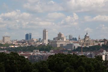 Madrid tomado desde el cementerio de San Isidro, en un día claro