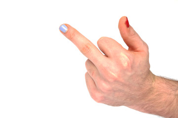 Stinkefinger mit lackierten Fingernägeln