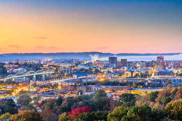 Fototapete - Chattanooga, Tennessee, USA downtown city skyline at dusk