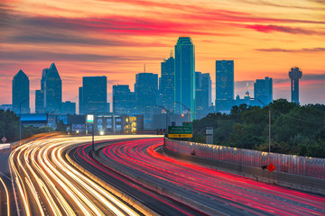 Spoed Foto op Canvas Nacht snelweg Dallas, Texas, USA downtown skyline and highway