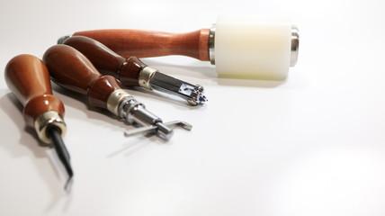 レザークラフト 刺繡&カービング工具 ホワイトバック