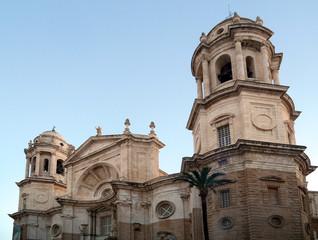 Catedral en la bahía de la capital de Cádiz, Andalucía. España. Europa