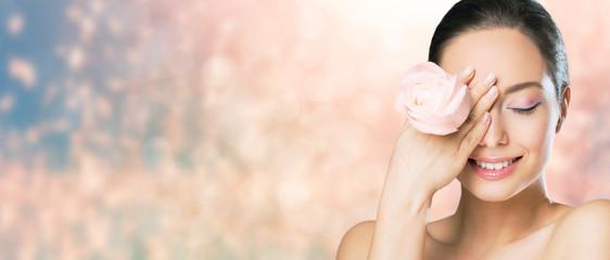 Brunette beauty in light makeup. Fotomurales