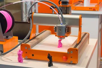 3D-Drucker beim Ausdrucken einer Figur