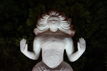 彫刻 ライトアップ 光 偶像崇拝