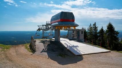 Sessellift auf dem Gipfel des Wurmbergs im Harz