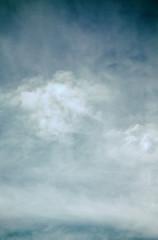 Kunst, Himmel mit Wolken wie gemalt
