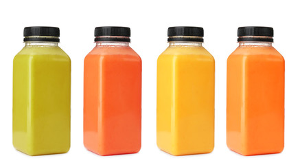 Foto auf AluDibond Saft Glass of orange juice isolated on white