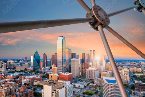 Fotomurales Dallas, Texas cityscape with blue sky at sunset