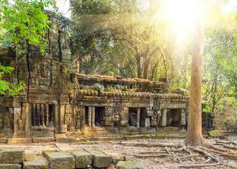 light sun Angkor Wat
