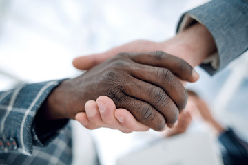 close up.confident handshake of business partners