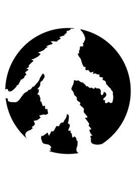 kreis rund logo gehender laufender seitlich bigfoot silhouette comic yeti monster cartoon affe groß fabeltier schnee weiß menschenaffe lustig riese berge winter clipart design