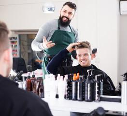 Male describing his desirable haircut