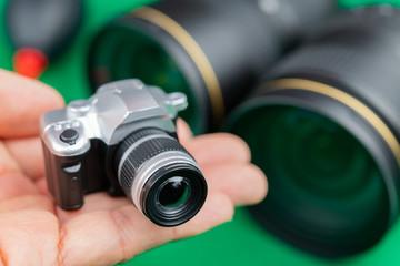 一眼レフカメラ 交換レンズ イメージ