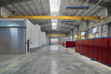 Large, spacious and light factory workshop.