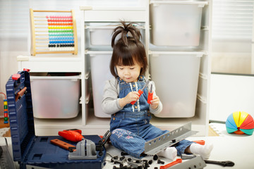 toddler baby girl pretend play DIY tools at home