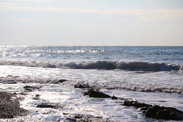 небо и море в пасмурную погоду фоновое изображение