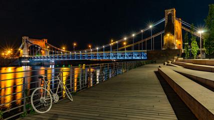 Obraz Wrocław nocą, Most Grunwaldzki, bulwary - fototapety do salonu