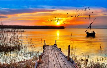 Canvas Prints Honey atardecer de colores en un lago de España