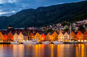 Poster Europa Evening panorama of Bergen, Norway