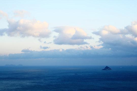 하늘, 바다, 그리고 섬