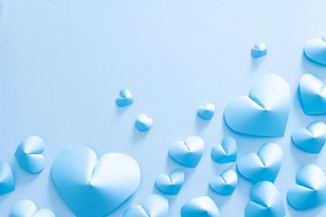 青いハートの愛情のイメージ