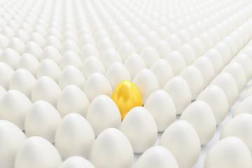 Frohe Ostern - viele weiße Eier - goldenes Ei - Oster