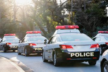 街を守る警察の車両