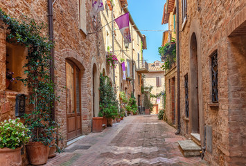 Fototapete - Beautiful alley in Tuscany, Old town, Pienza, Italy