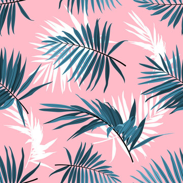 Tropical leaves seamless pattern, Green palm fronds on a pink background. Summer tropical backdrop, Vector illustration