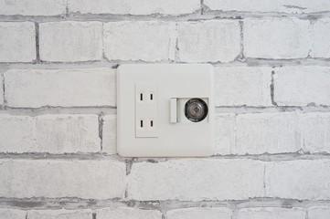 ガスコンセント付き電源、コンセント、レンガの壁紙