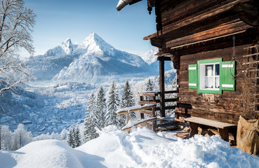 Fototapete - Winter scenery in the Alps with mountain hut