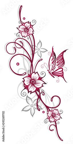 Filigrane Ranke Mit Blumen Schmetterling Und Kirschblüten